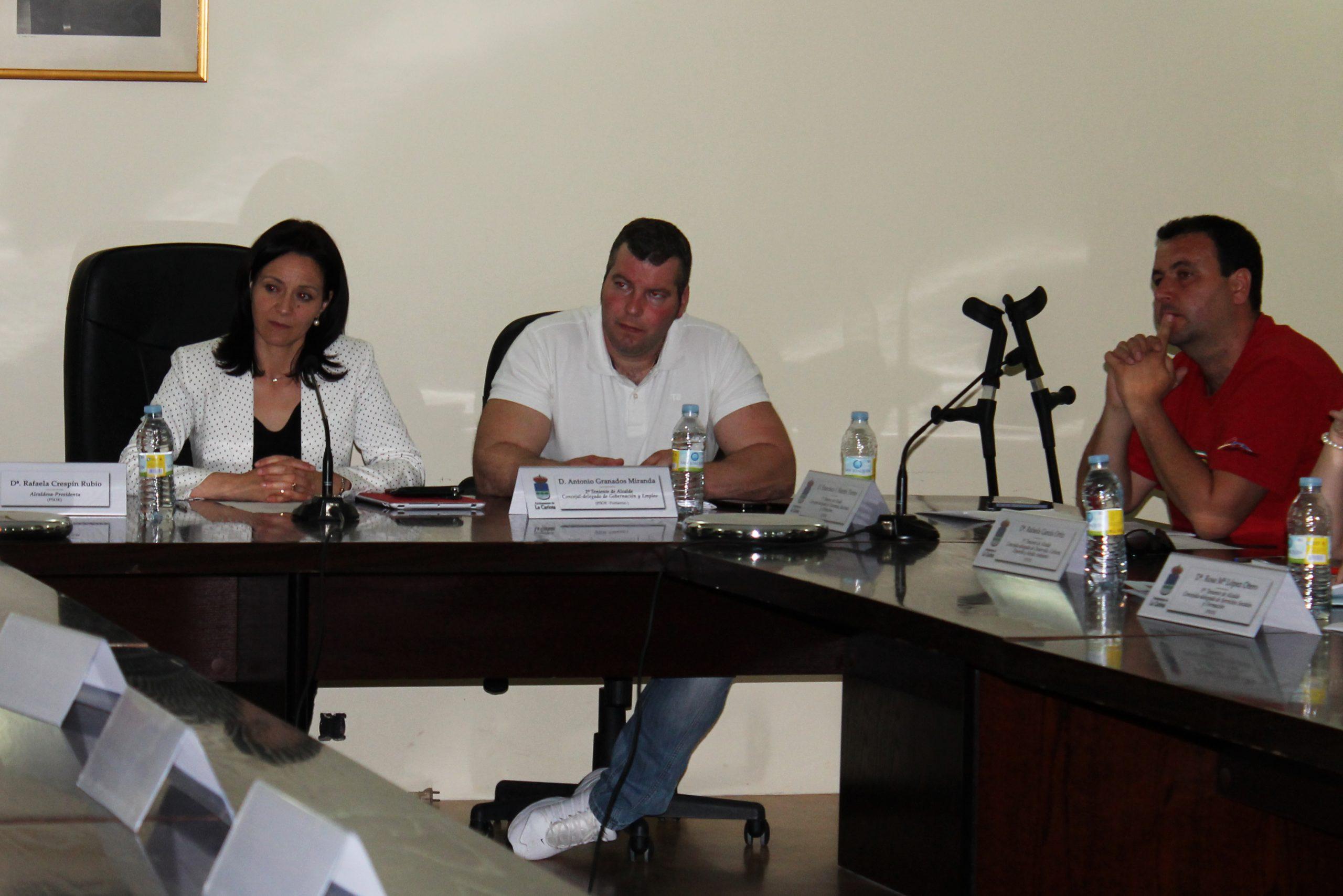 El Ayuntamiento de La Carlota cierra el Presupuesto de 2013 con un superávit de 726.861,41 euros 1