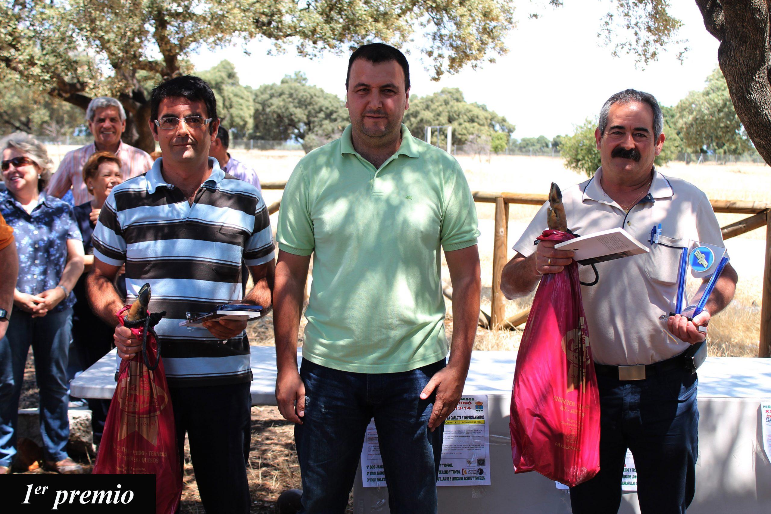 La Peña 'Los Amigos' entrega los premios de su XXVIII Campeonato de Dominó en una jornada de encuentro con los socios 1