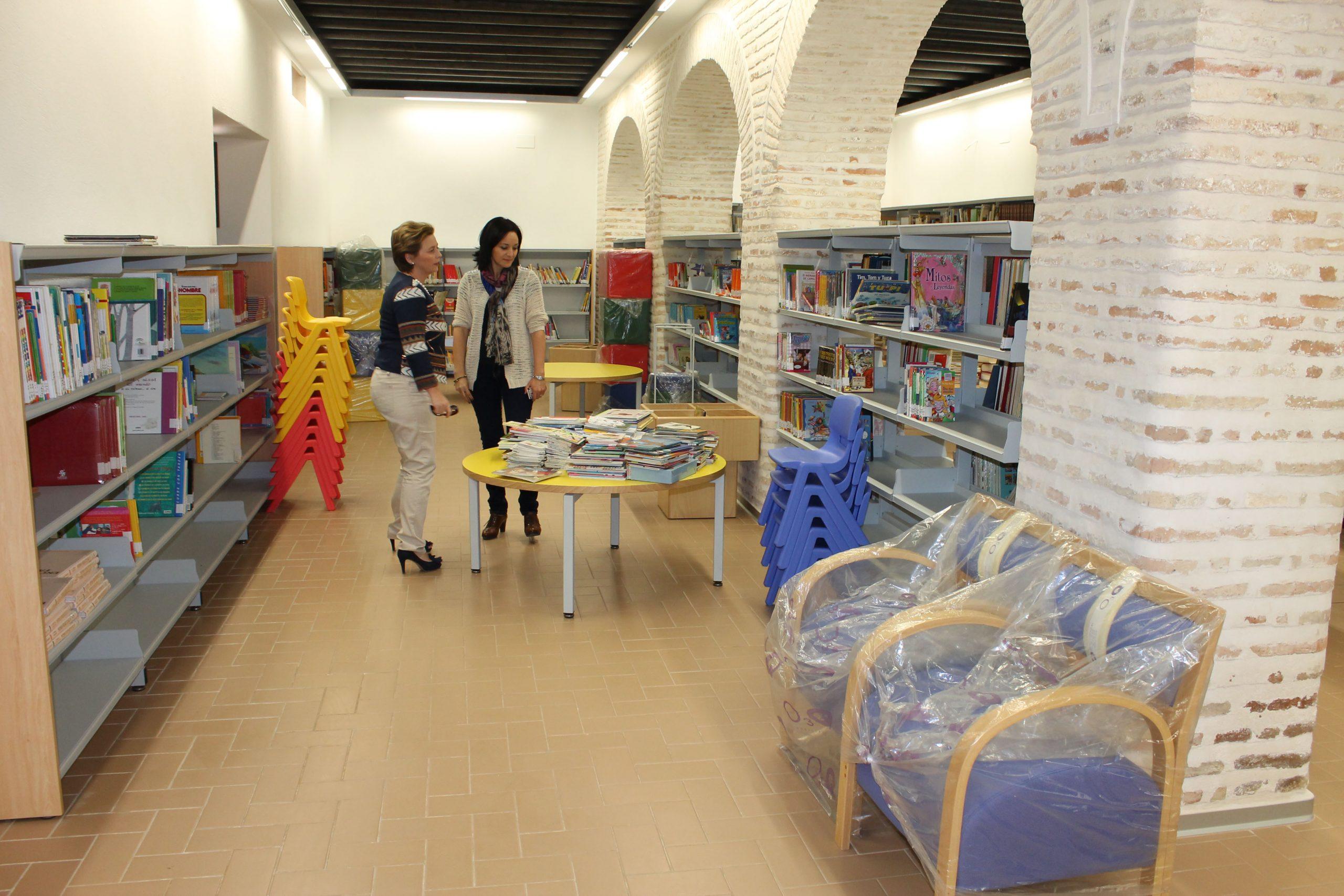 Comienza el traslado de los libros hacia la nueva Biblioteca Municipal de La Carlota 1