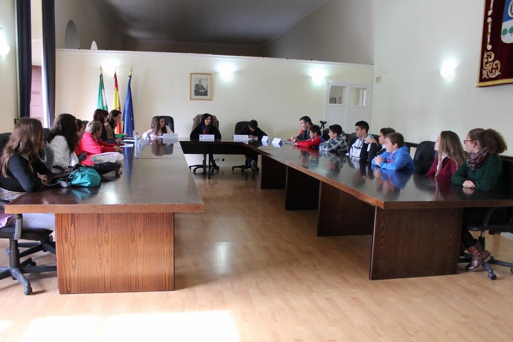 Los niños y las niñas del Consejo Local de la Infancia de La Carlota participan en un pleno infantil 1