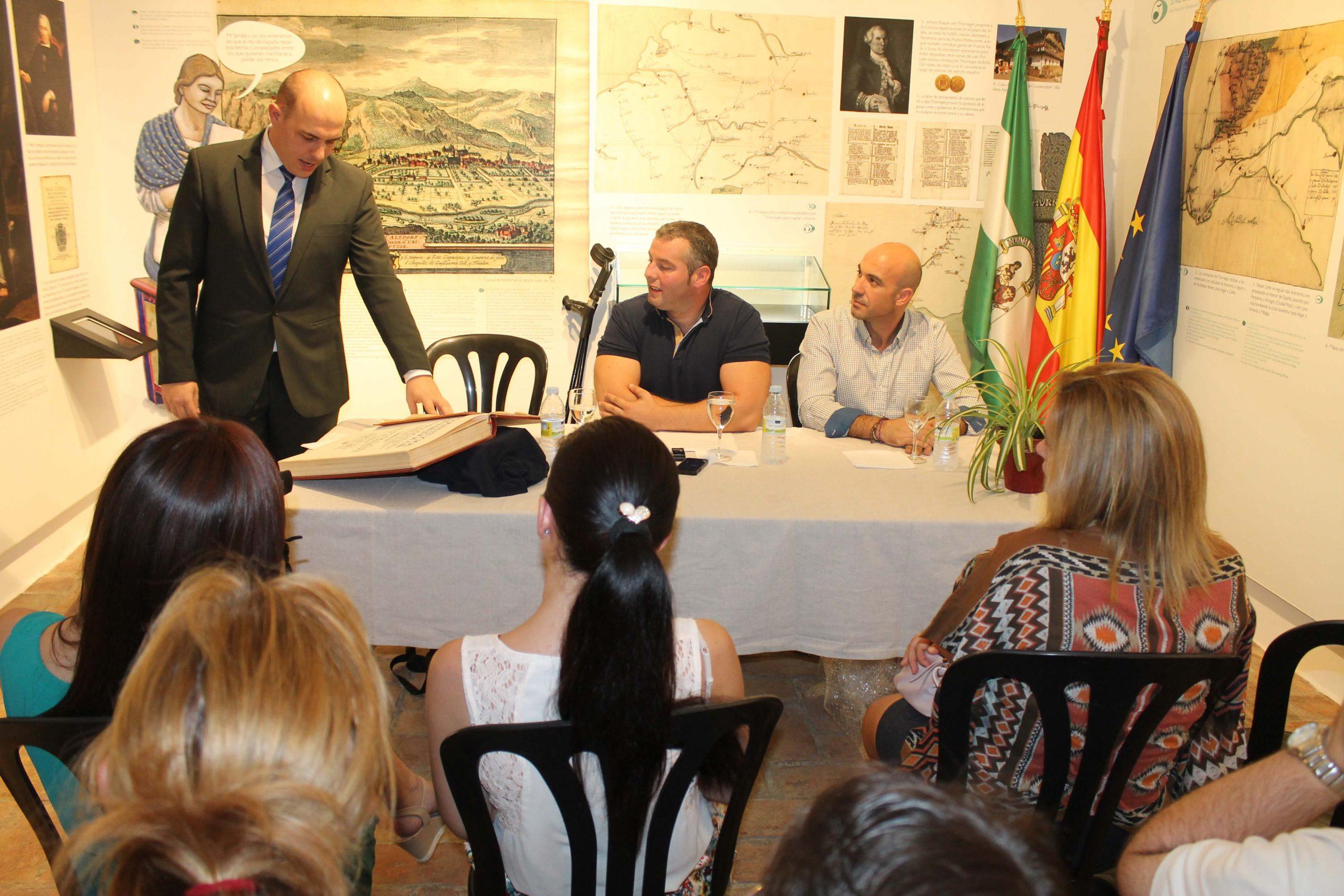 Adolfo Hamer promete su cargo como Cronista Oficial de La Carlota 1