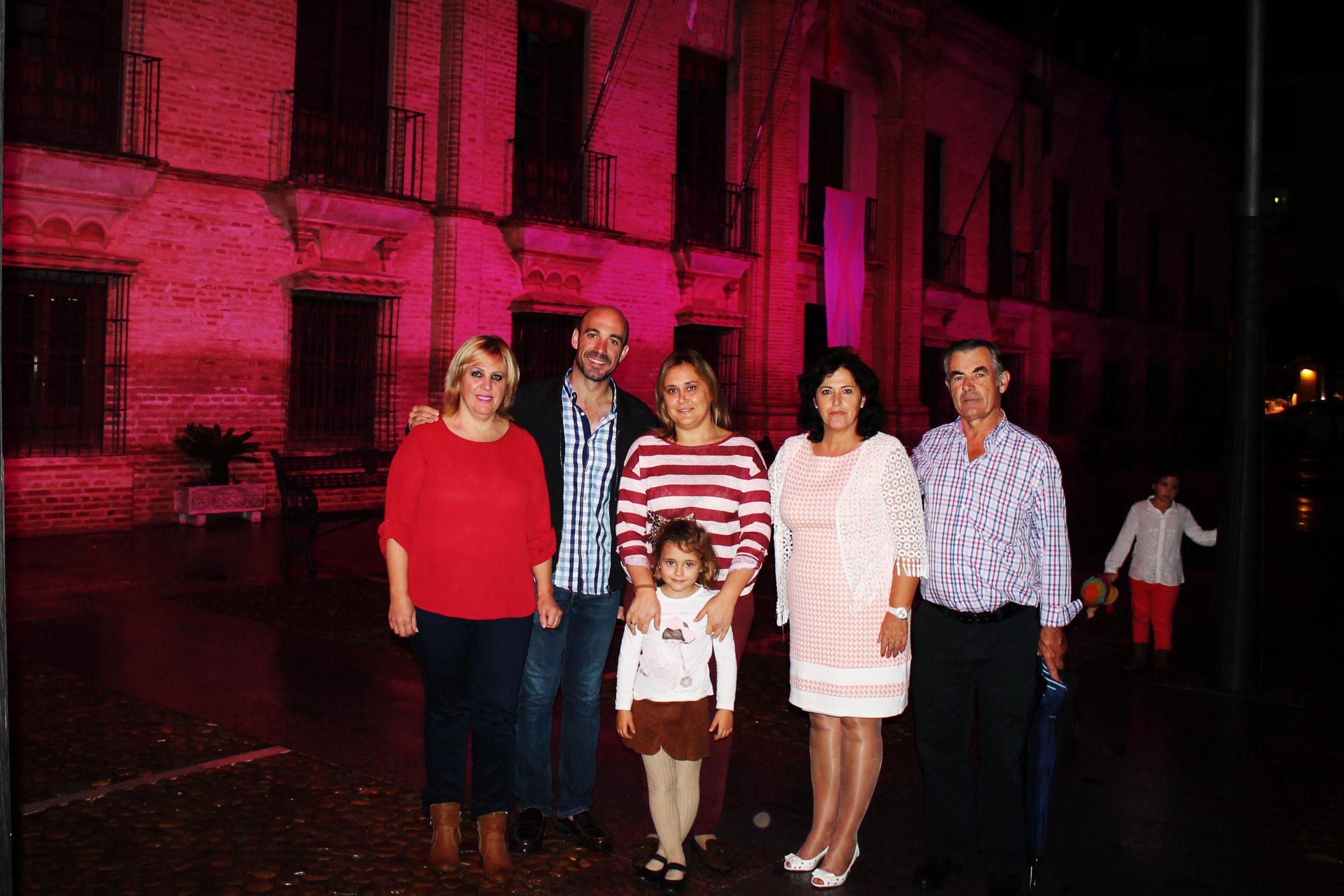 El Ayuntamiento de La Carlota se tiñe de rosa con motivo del 19 de octubre, Día mundial contra el Cáncer de Mama 1