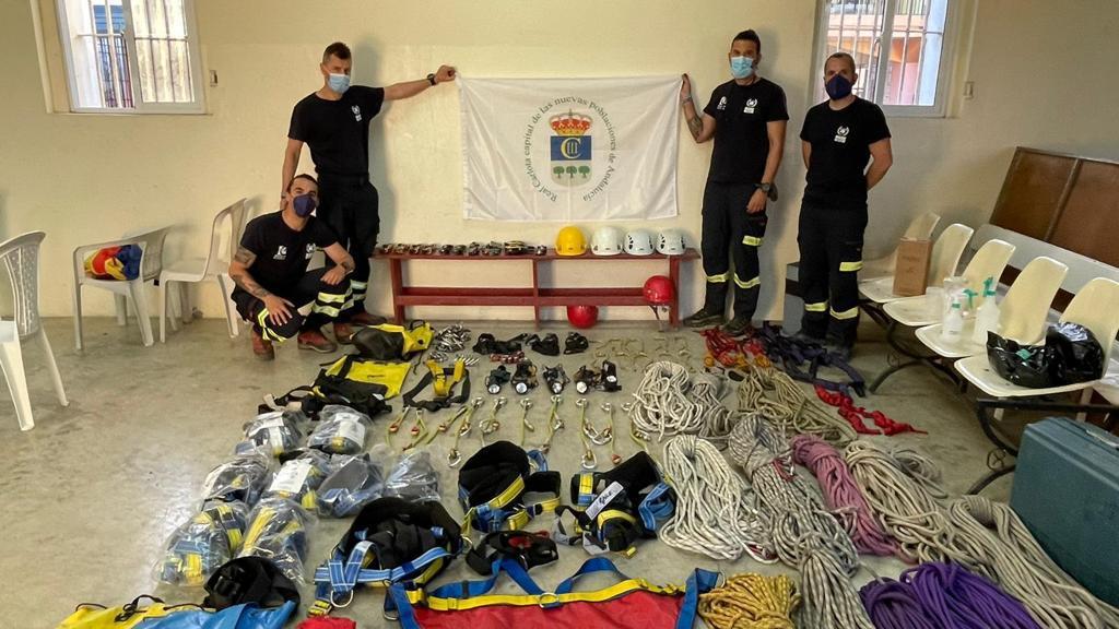 Grupo de bomberos de la Diputación de Córdoba